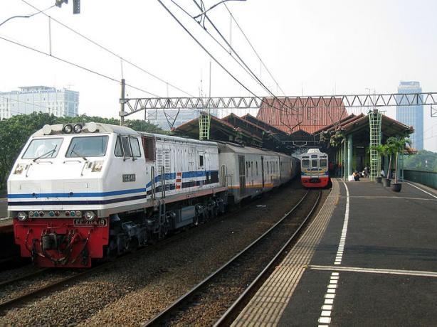 Mrt Lrt Developments Gapura Jakarta